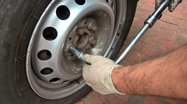 Sonido molesto del buje o rodamiento de la rueda al circular